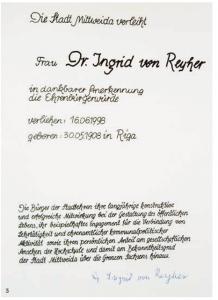 Als erste Frau Ehrenbügerin der Stadt Mittweida: Ingrid von Reyher wird 1998 für ihr vielfältiges Engagement geehrt